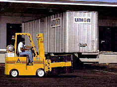 material-handling-fork-lift-with-semi